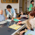 Aktivitäten im Seniorenheim in Rumänien